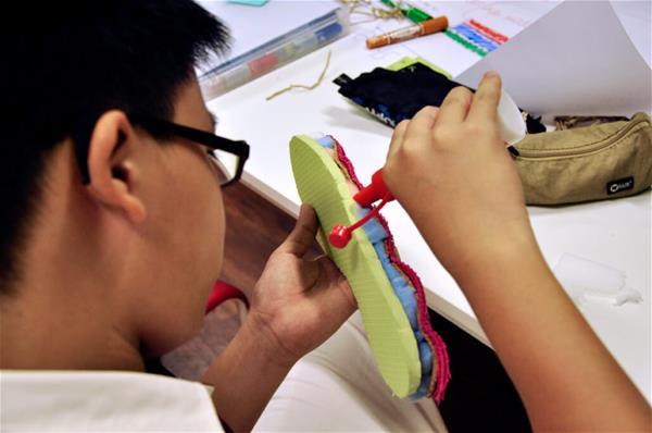 Pioneer-shoe